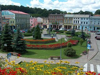 Picture of outdoor town square.