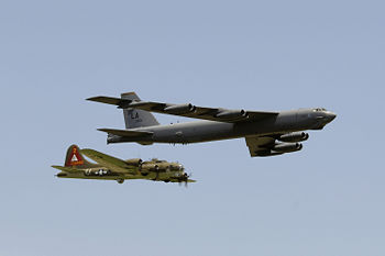 Growth from B-17 to B-52  B29 B17