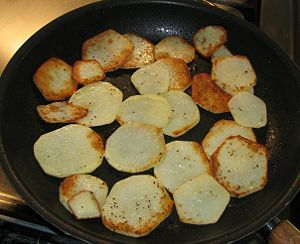 The cooked potatoes